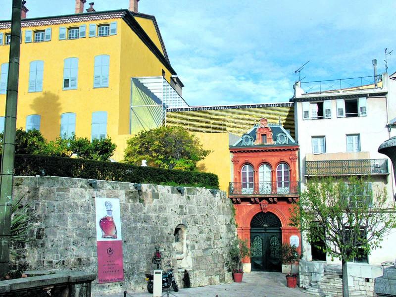 Intrare muzeul parfumurilor_Grasse