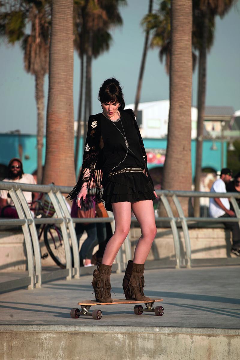 Monica-Barladeanu,-Venice-Beach,-LA_5