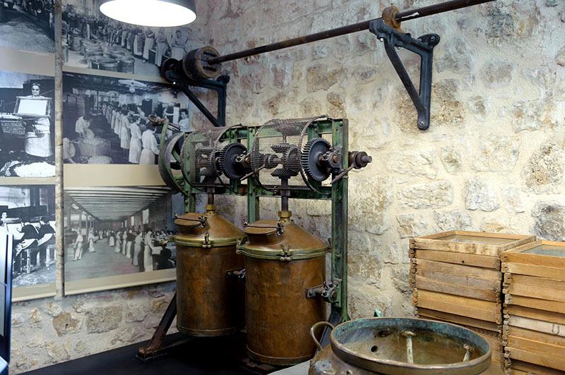 Recipiente_muzeul parfumurilor_Grasse_2