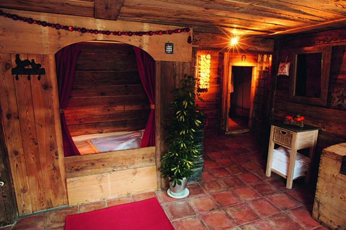 La Bouitte, les MÈnuires, St Marcel, lit de foin chaud, espace balnÈo, Savoie, 73 luxurius motel, Alps, France