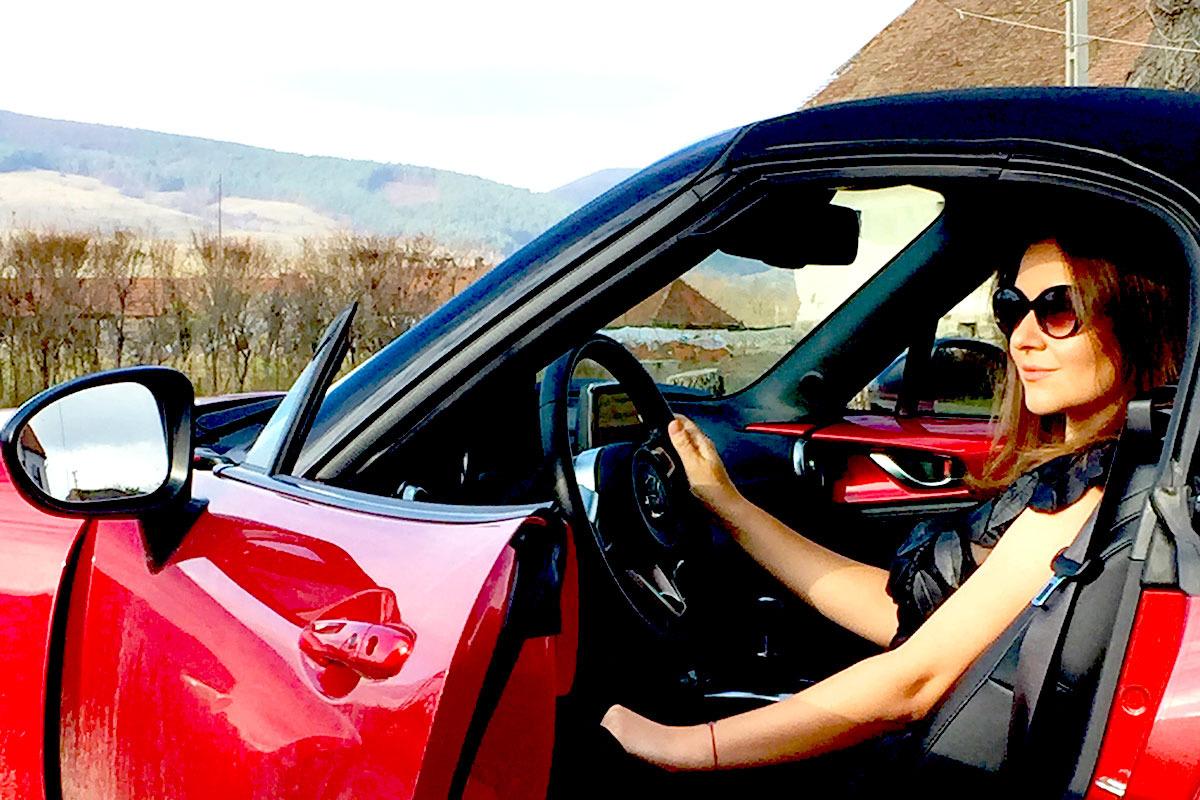 Raluca-si-Mazda_profil_blog