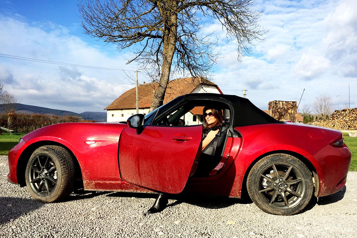 Raluca-si-Mazda_profil_blog_3