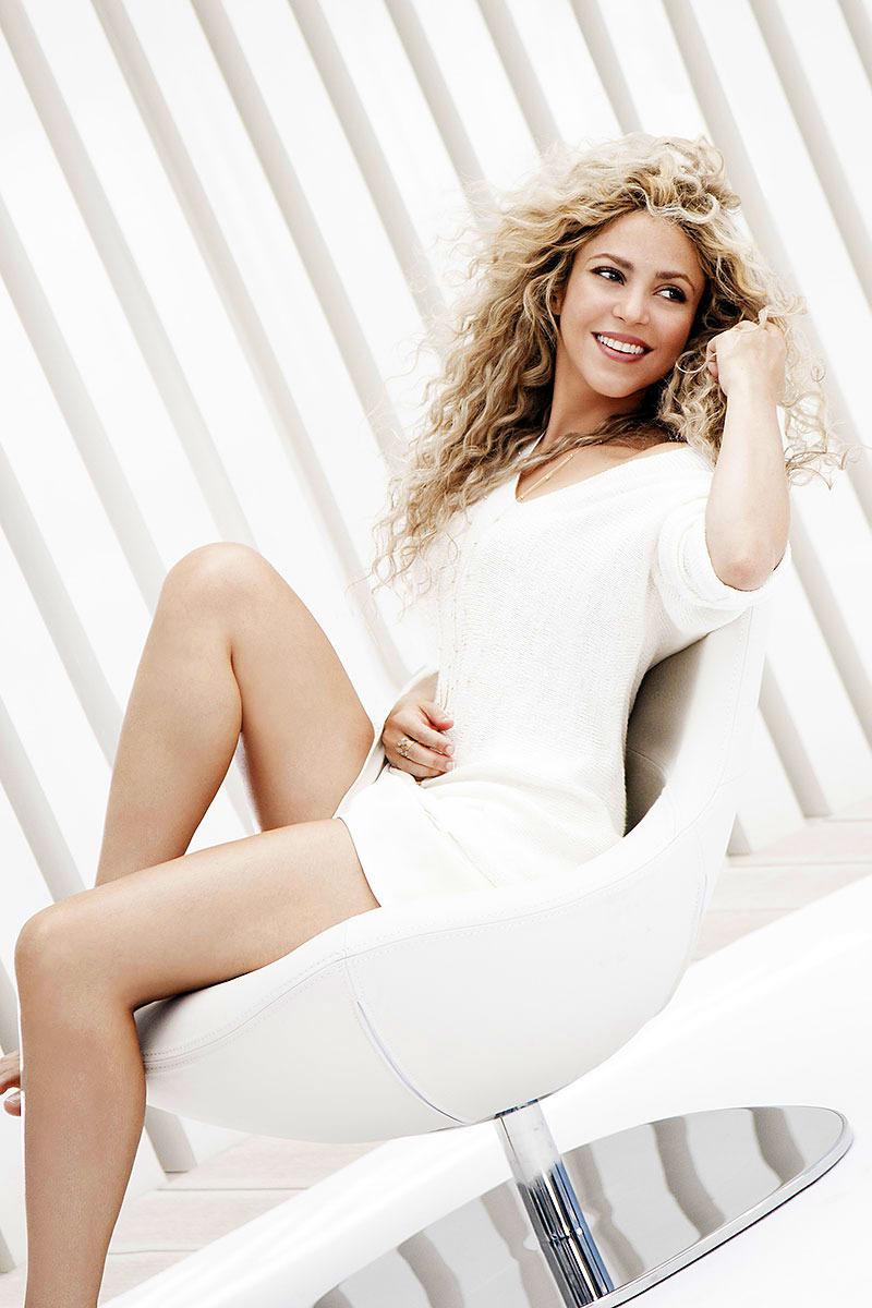 Shakira_TheIdealist_4_bun