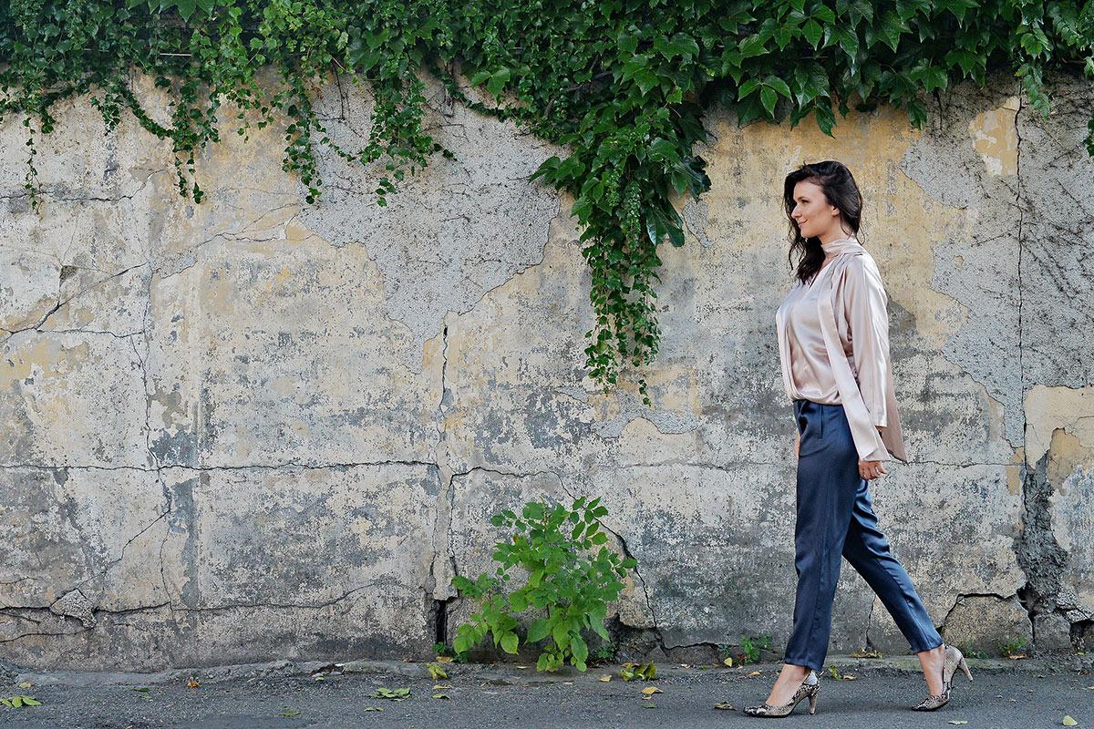 Raluca-Hagiu,-tinuta-Styland,-pantofi-ECCO-Shape,-street-style-2