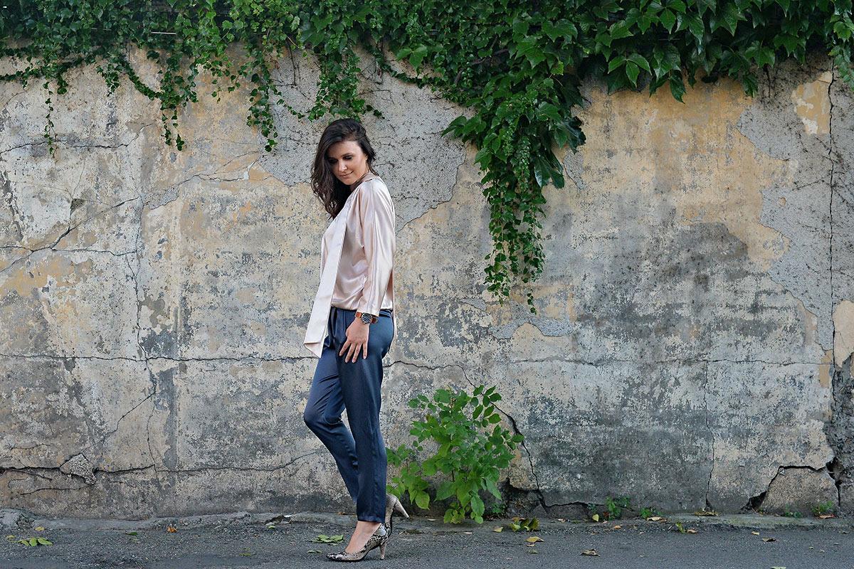 Raluca-Hagiu,-tinuta-Styland,-pantofi-ECCO-Shape,-street-style
